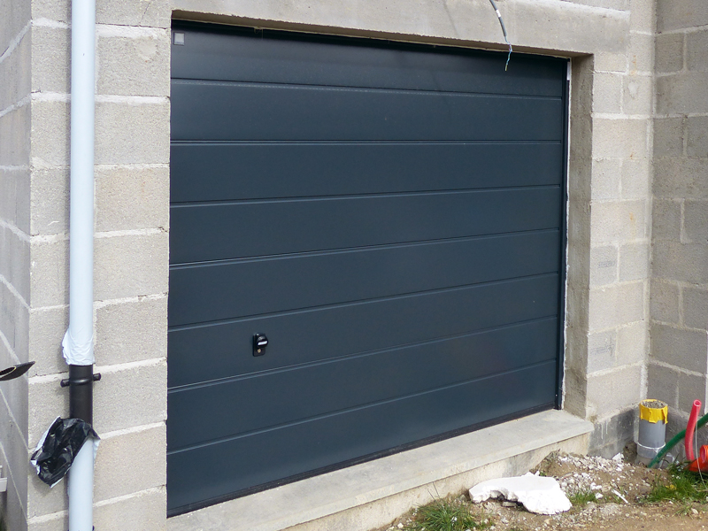 Photos maisons neuves individuelles photo chantier de for Porte garage maison